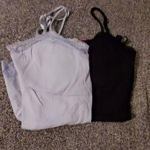 Set of 2 tank top shirts